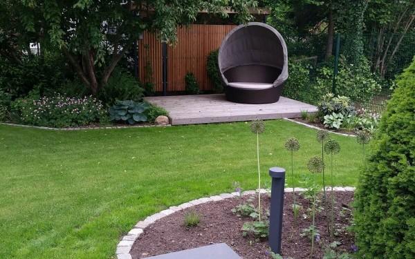 Moderne terrasse mit wasserbecken und wasserwand irene for Modernes haus terrasse