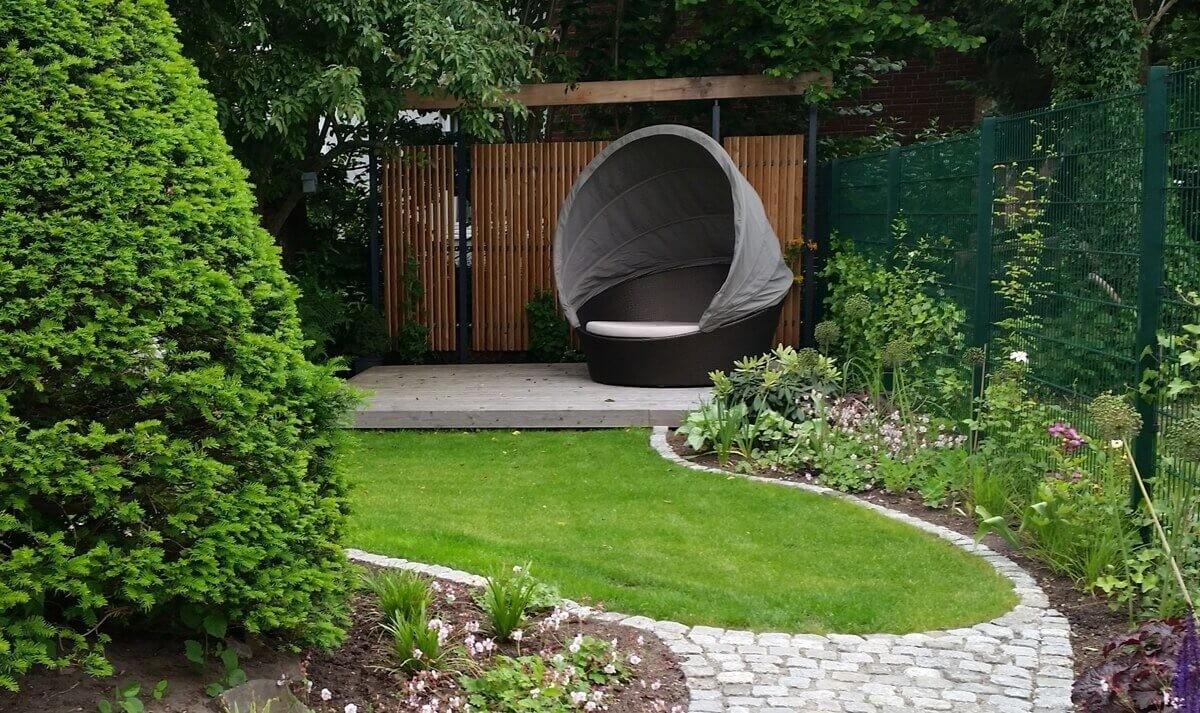moderne terrasse mit wasserbecken und wasserwand irene. Black Bedroom Furniture Sets. Home Design Ideas