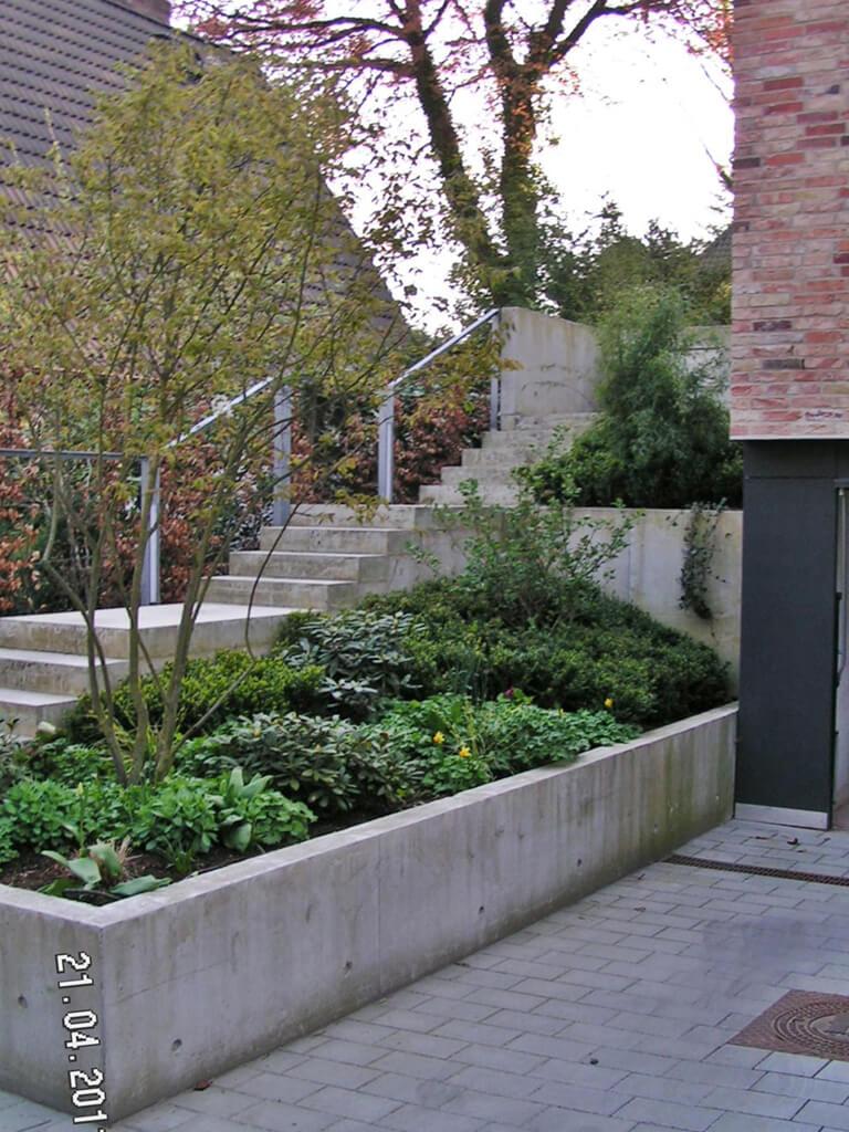 Moderner Garten mit Höhenunterschieden 4 vollbild