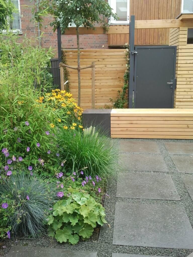 reihenhausgarten mit gartenhaus irene alberts landschaftsarchitektin. Black Bedroom Furniture Sets. Home Design Ideas