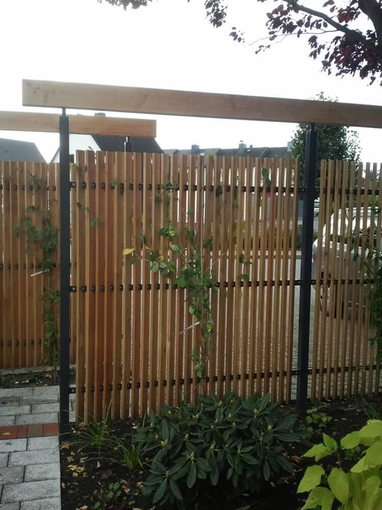 Sichtschutz im Reihenhausgarten 2 vollbild